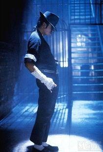 寻找迈克尔杰克逊的造型