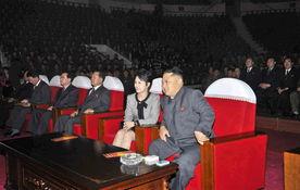 ...称赞该乐团值得朝鲜党骄傲