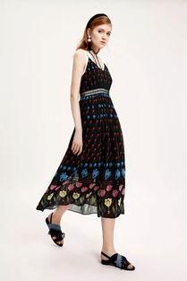 ...62105纹样吊带连衣裙 参考价格:599 CNY-太平鸟时尚女装 看女神...
