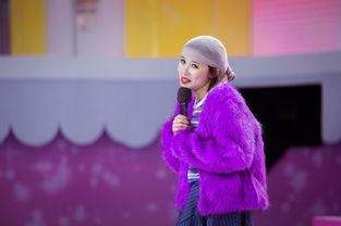 娱乐讯 被称为中国具名气美妆博主的穆雅斓于上周六晚正式登陆湖南卫...
