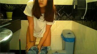某高档酒店女厕偷拍两个漂亮美女嘘嘘1080P高清版 福利大巴