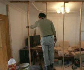 虐玩帅哥精子-半月前,物管人员发现吴某拿着铁铲和水泥回家,以为他要装修房屋,...