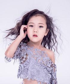 小女孩烫发图片 小女孩烫发发型 小女孩烫发图片 美发街