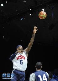 ...篮.当日,美国国家男子篮球队在华盛顿举行公开训练,备战伦敦奥...