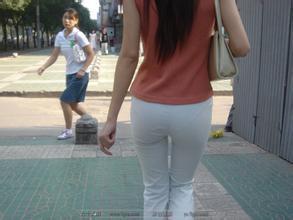 说实话,女生穿白色裤子确实很好看