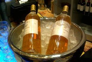 太极洞酒-然而,贵腐葡萄不是只要晚摘葡萄就能轻易形成的.不同于一般的菌种...