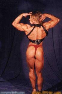 壮熊大叔内裤凹起- 无论男子健美运动员还是女子健美运动员,他们都非常注重把锻炼肌肉...