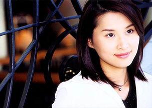 凤凰卫视主持人王菁锳-凤凰卫视四位女主播背景资料介绍
