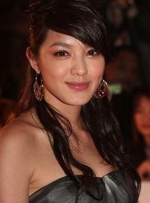 第二届亚洲电影大奖 女星性感裙装PK