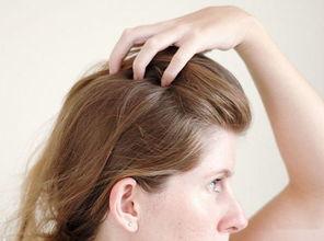 分步示范 如何让头发更蓬松