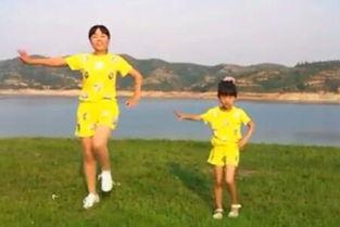 视频名称:儿童舞蹈 小苹果广场舞 亲子韵律操-儿童舞蹈 小苹果广场舞...