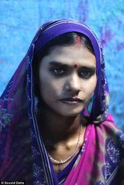...经常在街上遭到强奸,她们获得的报酬通常不超过2美元.-亚洲最大...