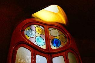 ...灯,都有着摄人磁力.-精灵幻化 高迪的巴特罗之家