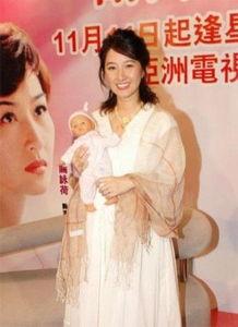 抽插大肚子孕妇电影-...蕾 女明星怀孕大肚依然 美娇人