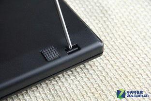 REALFORCE 104U 静电电容键盘上盖与背板采用穿透式卡扣固定 -拆...
