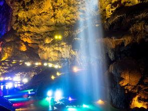 让你梦幻千里,溯回万年.   太古洞全长约3000米,最宽处130米,最...