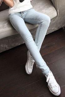 美腿女生QQ个性皮肤图片