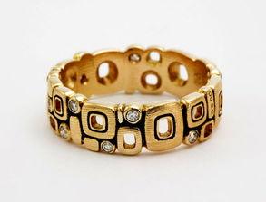 介绍戒指的戴法和含义,以及结婚戒指戴法 男士 女士戒指戴法 太平洋...