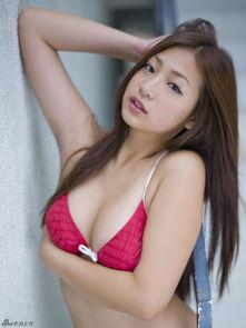 ...胖妹佐山彩香 丰腴肉感写真