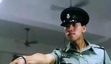 mrs点cop李路俊是凶手吗-你看,就连穿着警服我都觉得他是黑警...小编也是醉了!张耀扬本来凭...