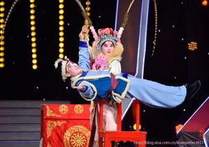 北昆这戏一直是张暖和谭萧萧演的,也是让人非常放心的武丑和武旦,...