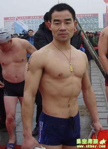 同志自述 健身房浴室遭遇Gay大叔