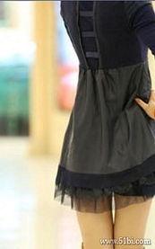 配着高跟鞋穿着丝袜-申精 分享之皮质美丽连衣裙