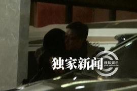 一起撸色-...的袁泉,而与她一同走出来的,则是另一位香港大导演刘伟强. 当...