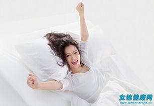 矫正驼背的睡觉姿势-正确的睡姿是怎样的 想睡美容觉睡姿也很关键