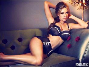 ... 凯莉 布鲁克全新写真 喷血胴体令人着迷