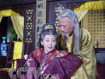 一龙九凤,占宫女,调戏小姨子,大肆渲染情欲,与历史正剧相去甚远...