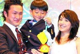 据知狮童与旧爱筱原友惠,当初便是因狮童母亲反对而令恋情无疾而终...