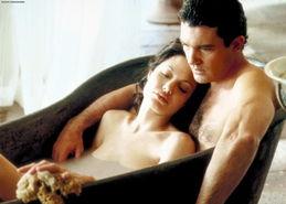 ...·朱莉《原罪》激情戏份.在电影《原罪》中,朱丽与班德拉斯赤裸...