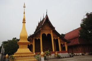 七煌sun立人-小和尚 街拍图   老挝的寺庙相当有名气,个个造的金壁辉煌,好不气派...