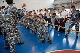 ...进行联欢活动的中美陆战队员.(资料图)-美学者 美中开战谁都不...