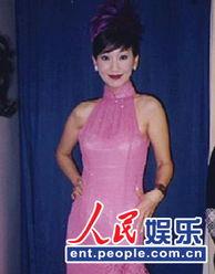 精湛演技风靡全亚洲,1992年,以《新白娘子传奇》掀起举国之白蛇热...