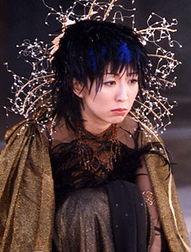 回顾饭岛爱短短36年的人生,从A片起家的她,不但是红遍日本的女优...