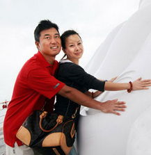 影音先锋吉吉撸你懂的-满文军的妻子李莉实在《懂你》时,认识满文军的,当时她还是新加坡...