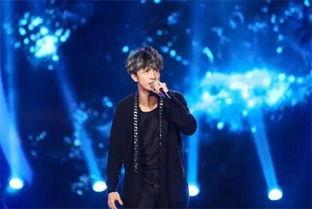 薛之谦广州演唱会撩粉 喝水吗 这是间接接吻不好