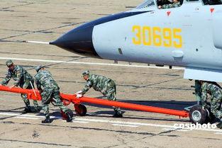 中突击分群中国国产歼轰-7飞机准时起飞,