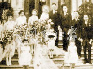 参加集团婚礼的新人们-民国婚俗 百年前的文明婚礼革命