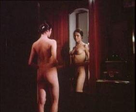 最新成人影视m625-洛碧琪在电影中以三点尽露的镜头出现.-任达华25岁献 第一次 拍情色...