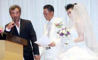 、有接新娘也有酒店里的一顿饭,总花费超过十万.王志文的婚礼由两...