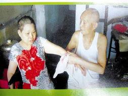 武汉市十一医院内科5号病床前,雨点噼噼啪啪敲打着窗户.因哮喘住...