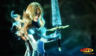 剑起龙成-原标题:神威《大剑》迪妮莎COS 抡起你的大剑一决高下