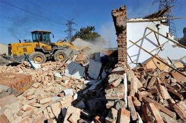 四流南路上千平米违建被拆除 已有40多年 图