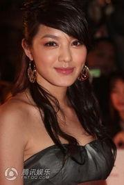 第二届亚洲电影大奖红毯 女星性感比拼