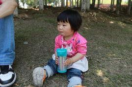 ir宝贝的成长记事   现在有个坏习惯,每次喝水都喝好大一口包在嘴里...
