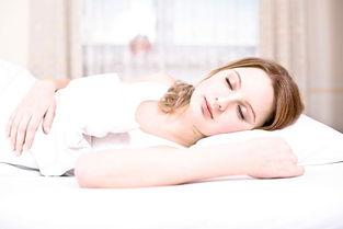 睡,面部与棉质枕头的摩擦加大,... 想要一直美美的就不要总是吃这些...