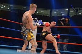 挚a `owo摊k _\- 北京时间12月15日晚,自由搏击2012年度70公斤级K-1大奖赛在希腊...